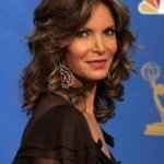 103431_jaclyn-smith-looks-ravishing-backstage-at-the-58th-annual-primetime-emmys-in-2006