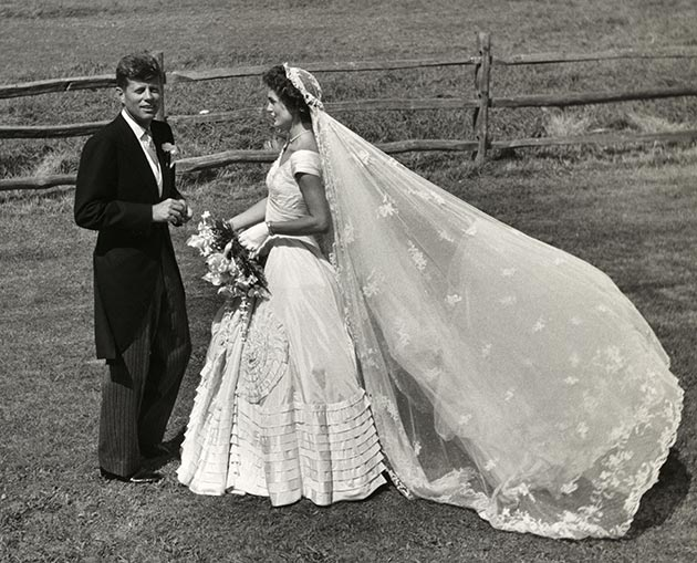 Jacqueline_Kennedy_wedding_dress